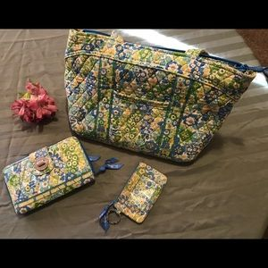 Vera Bradley Pocketbook Wallet & License Holder